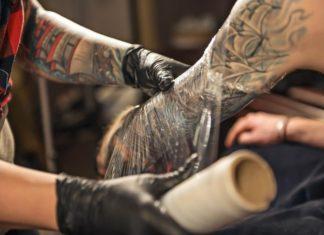 Combien de temps faut-il à un tatouage pour qu'il guérisse ?