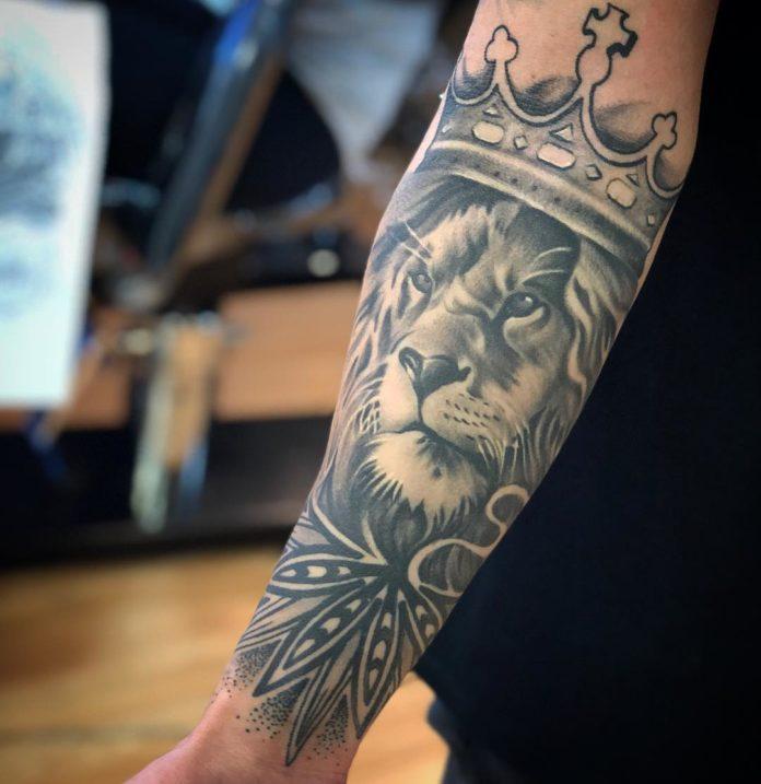 35258087 2098966683760892 3670619741405315072 n - Top 100 des Tatouages Lion pour Homme