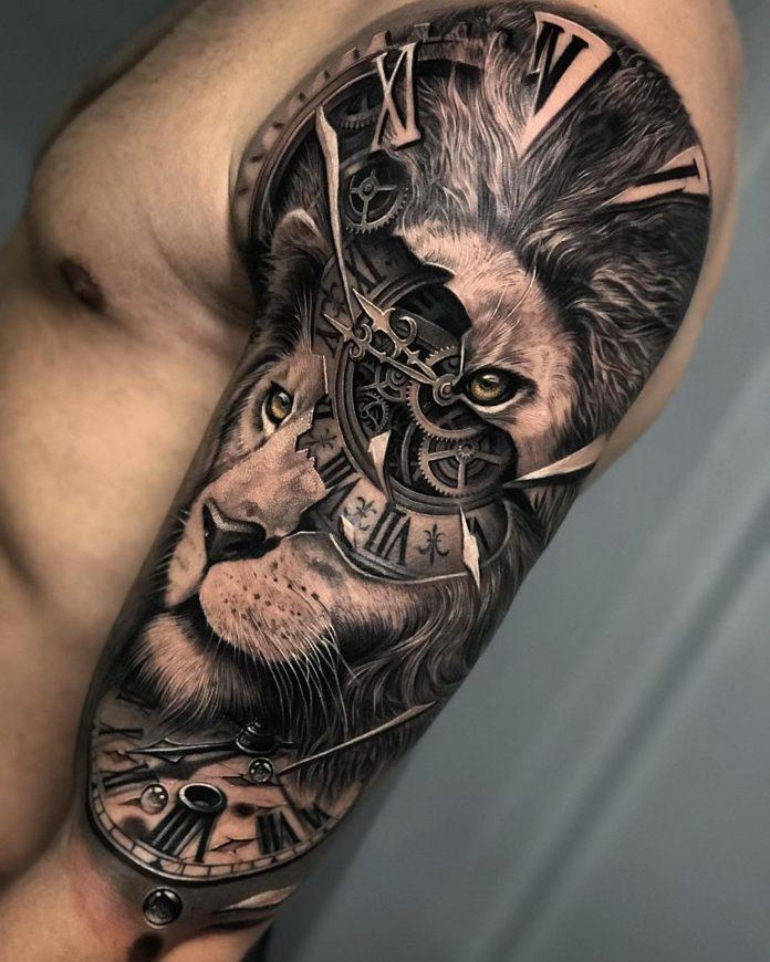 Composition tatouage tête de lion + Horloge sur le bras