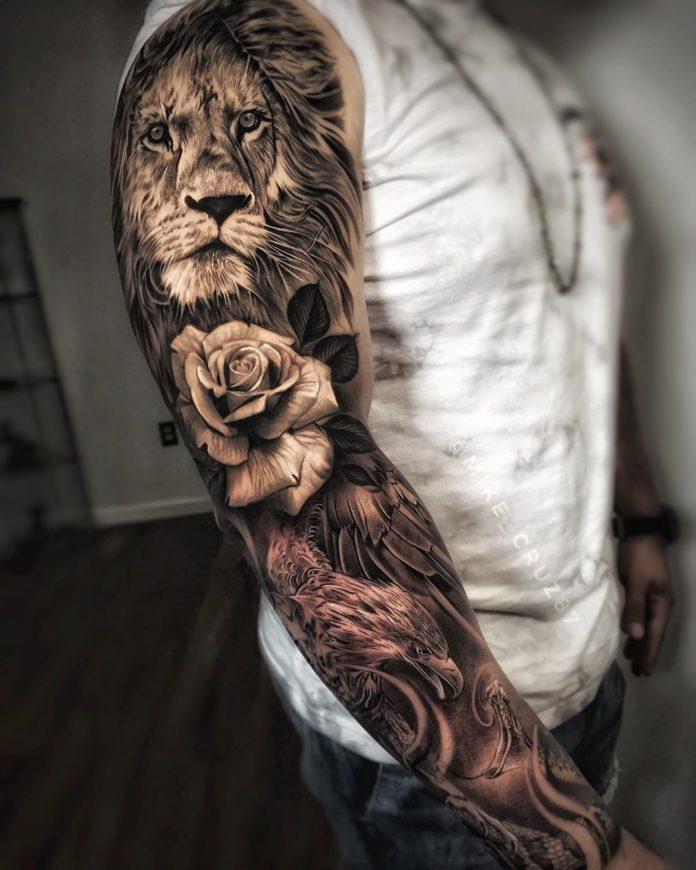 Tatouage Tête de Lion sur épaule