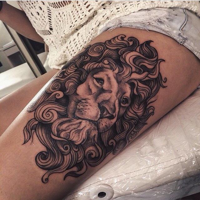 lion tattoo 51 - 53 Tatouages Lion pour Femme