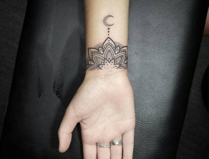 Tatouages au poignet