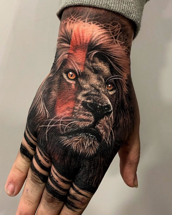 Tatouage de tête de lion réaliste