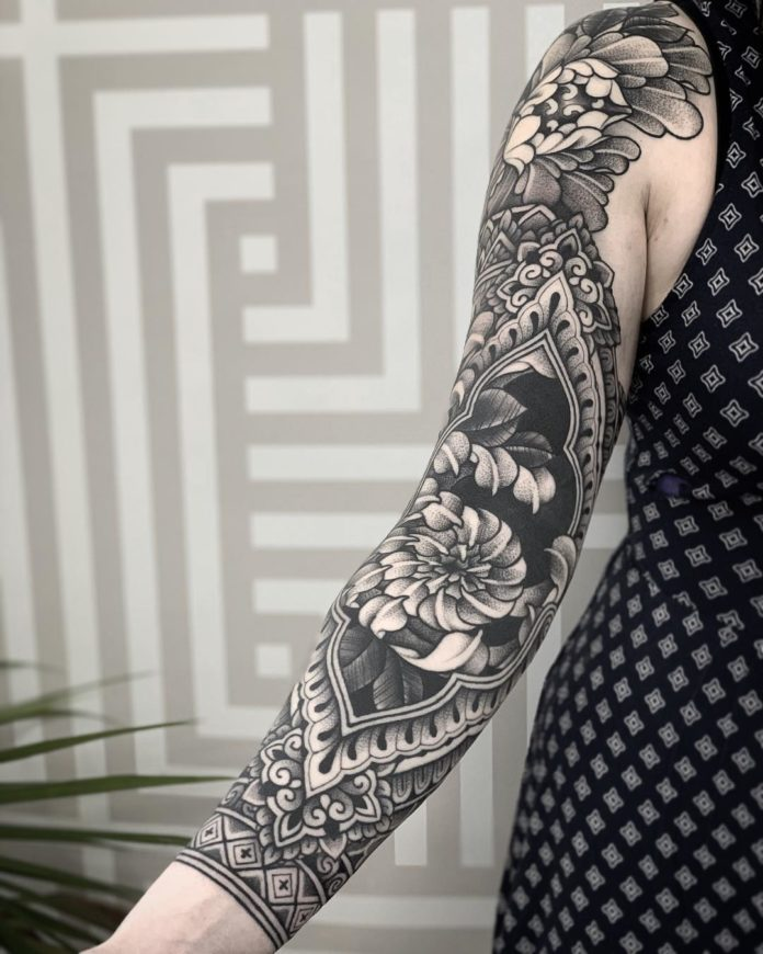 100 11 - Top 100 Tatouages Bras Complet pour Femme