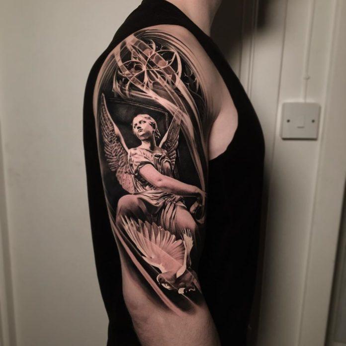 105 - 156 Incroyables Tatouages Épaule pour Homme