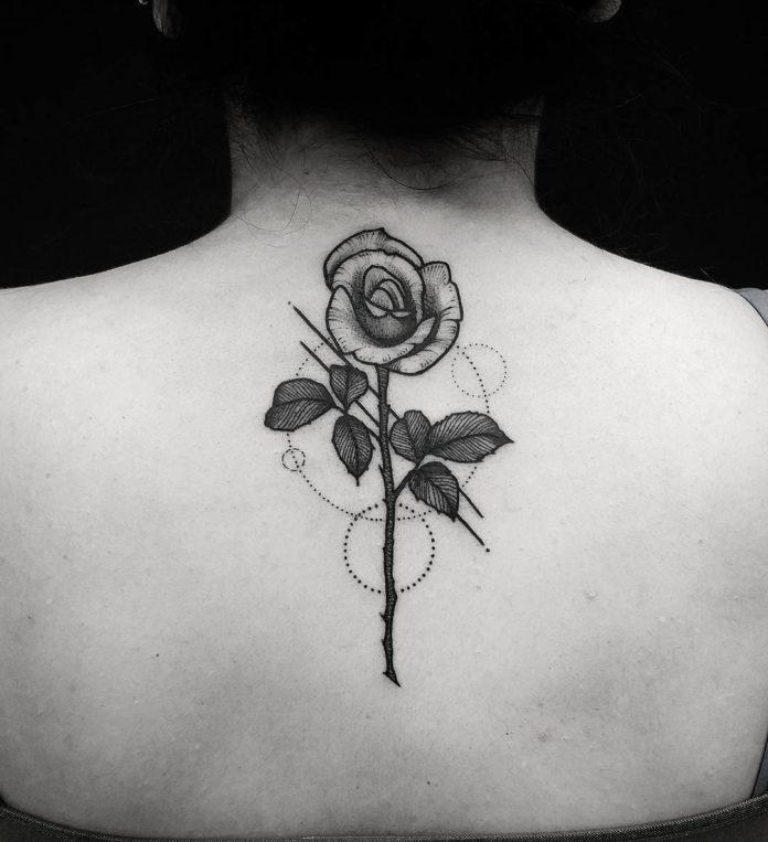 12 9 - 100 Magnifiques Tatouages Dos pour Femme