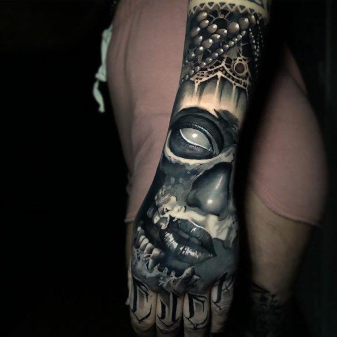 15 4 - 100 Impressionants Tatouages sur la Main pour Femme