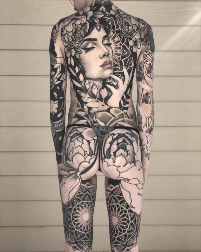 19 8 - 100 Magnifiques Tatouages Dos pour Femme