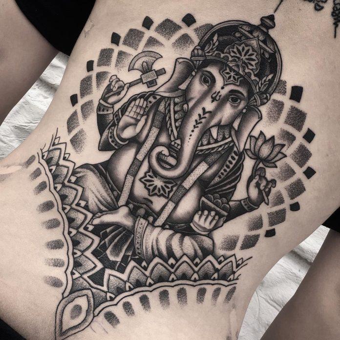21 9 - 100 Magnifiques Tatouages Dos pour Femme