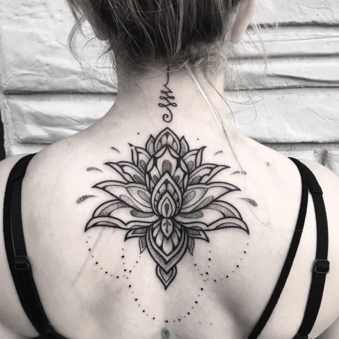 23 9 - 100 Magnifiques Tatouages Dos pour Femme