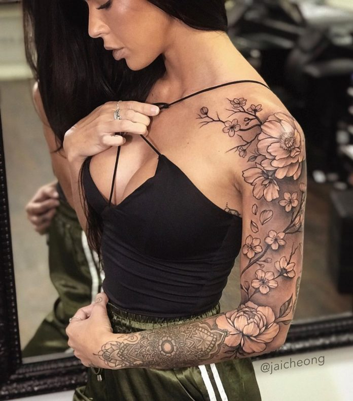 28 11 - Top 100 Tatouages Bras Complet pour Femme