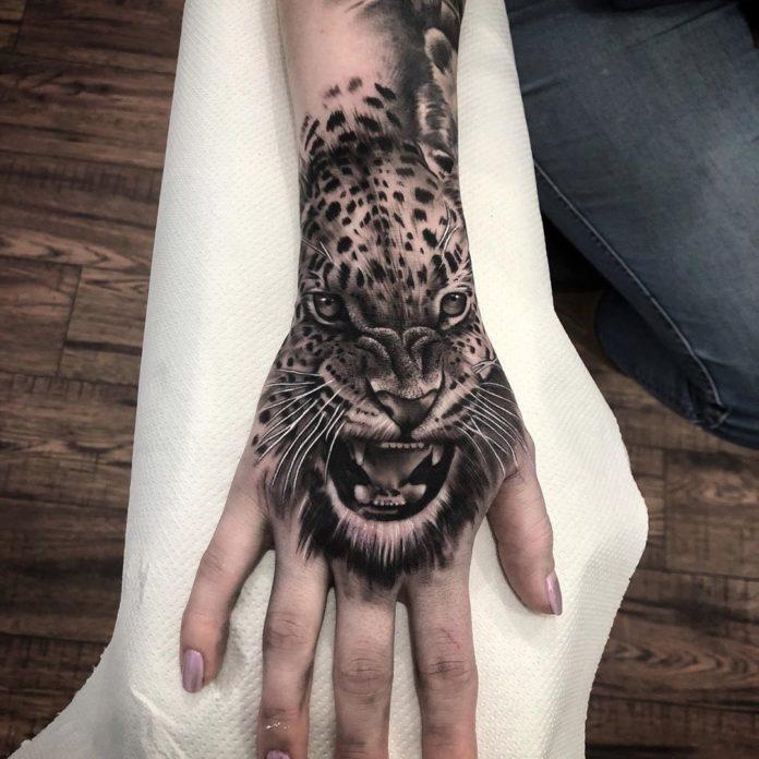 3 4 - 100 Impressionants Tatouages sur la Main pour Femme