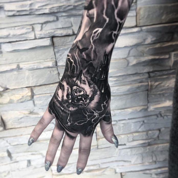 30 4 - 100 Impressionants Tatouages sur la Main pour Femme