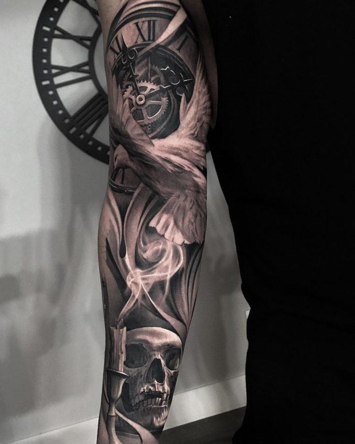 Tatouage d'horloge avec une colombe + Tête de mort et bougie éteint