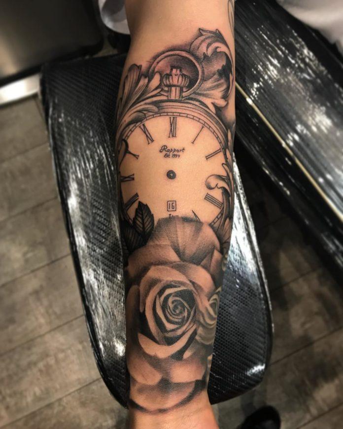 38627317 473039029844850 8475590811549958144 n - 100 Tatouages d'Horloge pour Homme