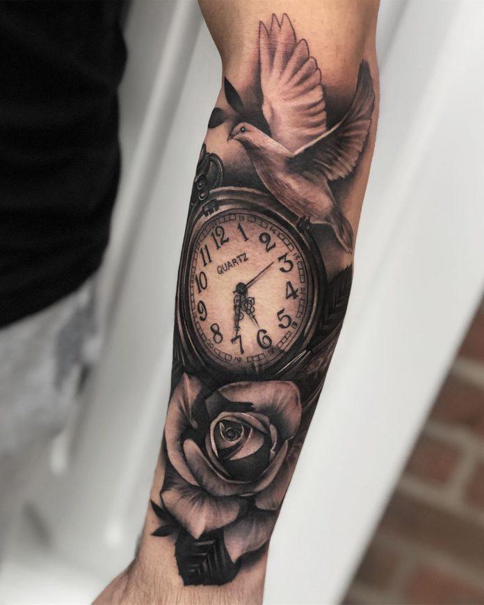 40675492 334871173749645 8662215214846092702 n - 100 Tatouages d'Horloge pour Homme