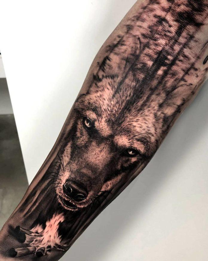 Tatouage de tête de Loup réaliste