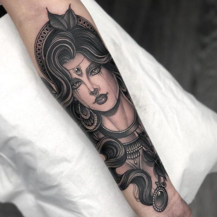 47584330 355804988550847 1581775608947103917 n - 100 Magnifiques Tatouages Avant Bras pour Femme