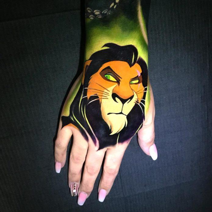 49 6 - 100 Impressionants Tatouages sur la Main pour Femme