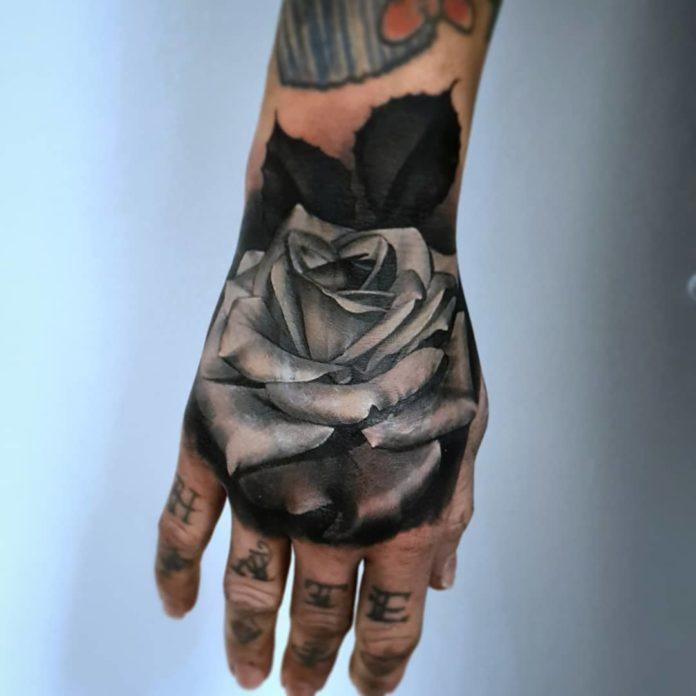 52 5 - 100 Impressionants Tatouages sur la Main pour Femme
