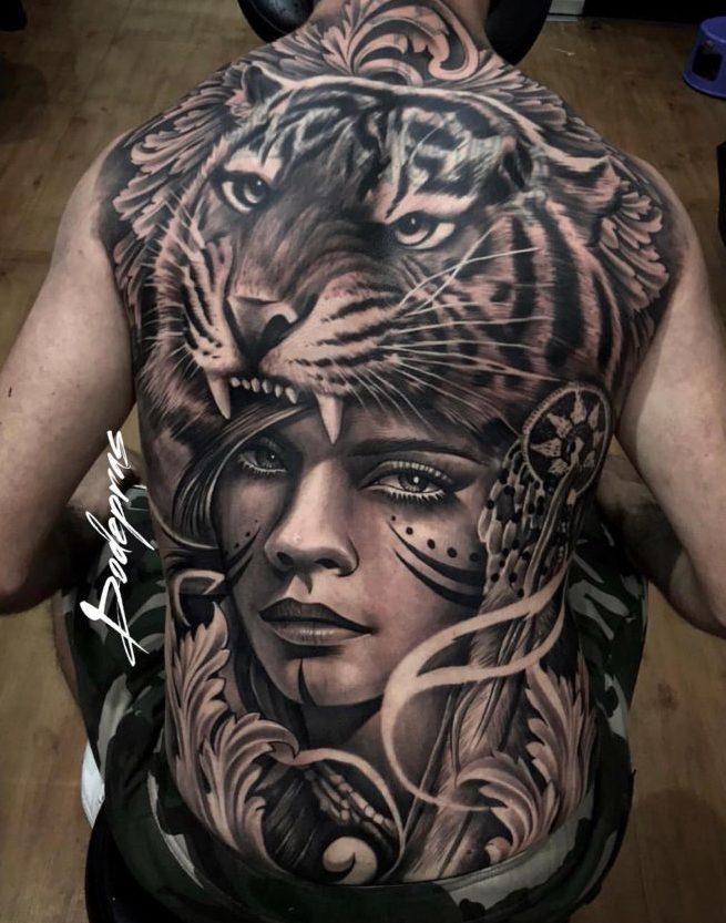53 e1571883501445 - Top 100 Tatouages Tigre pour Homme