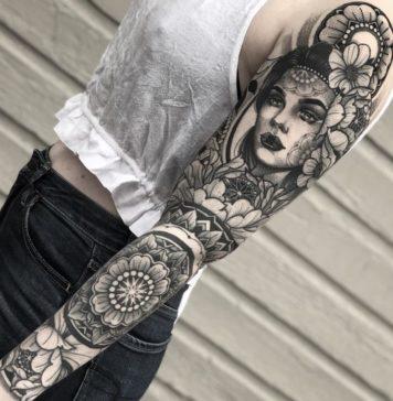 tatouage de femmes sur bras complet