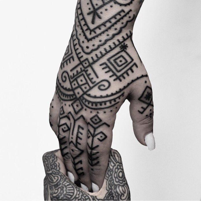 62 5 - 100 Impressionants Tatouages sur la Main pour Femme