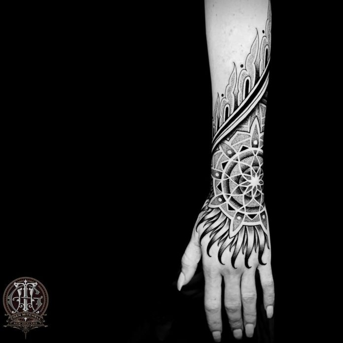 64 5 - 100 Impressionants Tatouages sur la Main pour Femme