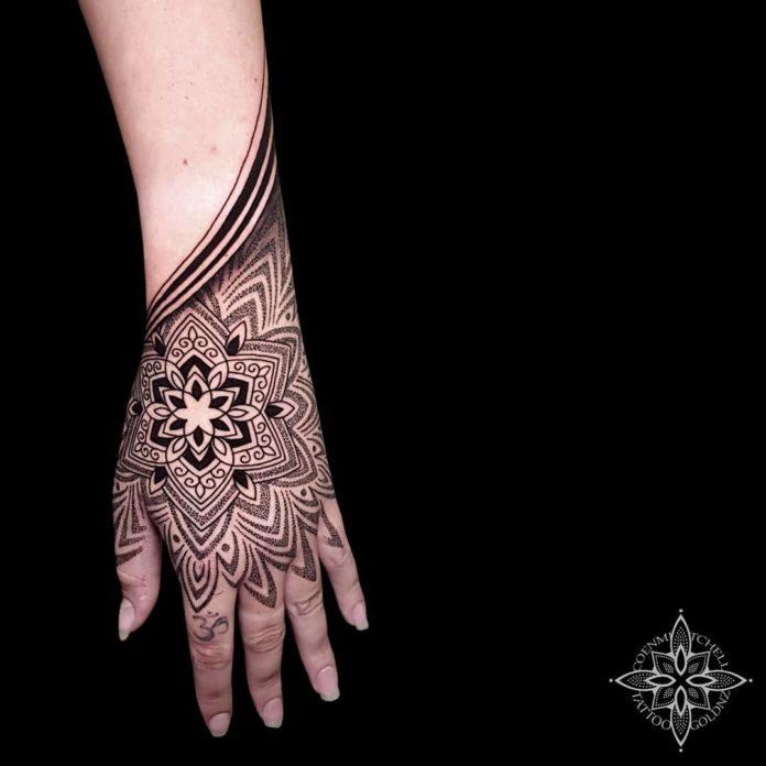 65 5 - 100 Impressionants Tatouages sur la Main pour Femme