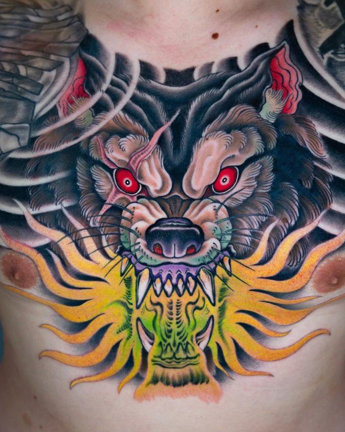 Tatouage Loup Style Japonais sur la poitrine