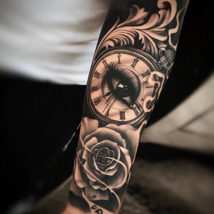 68 - 100 Tatouages d'Horloge pour Homme