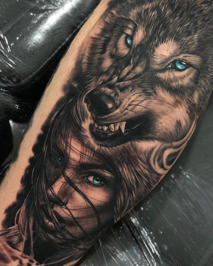 Tatouage de Loup avec une jolie femme aux yeux bleus