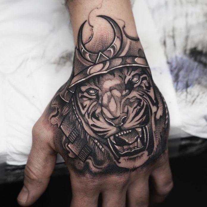 Tatoo d'un tigre samouraï