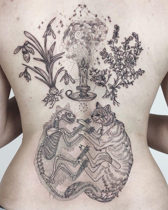 77 11 - 100 Magnifiques Tatouages Dos pour Femme