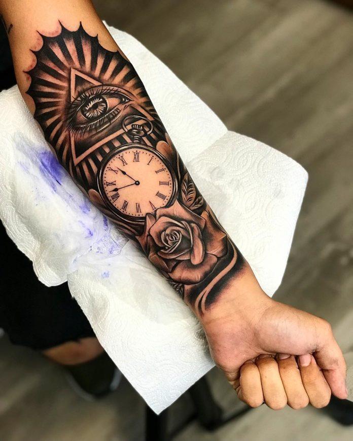 77 - 100 Tatouages d'Horloge pour Homme