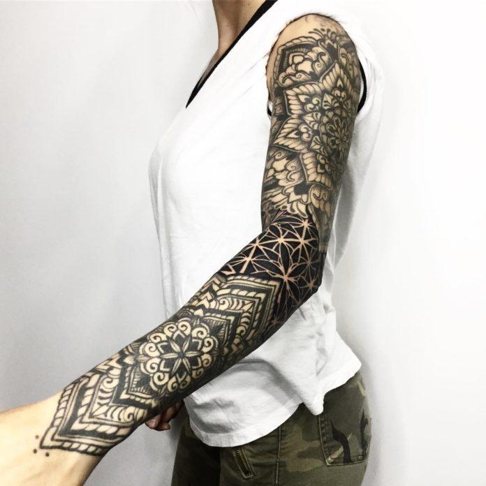 86 11 - Top 100 Tatouages Bras Complet pour Femme
