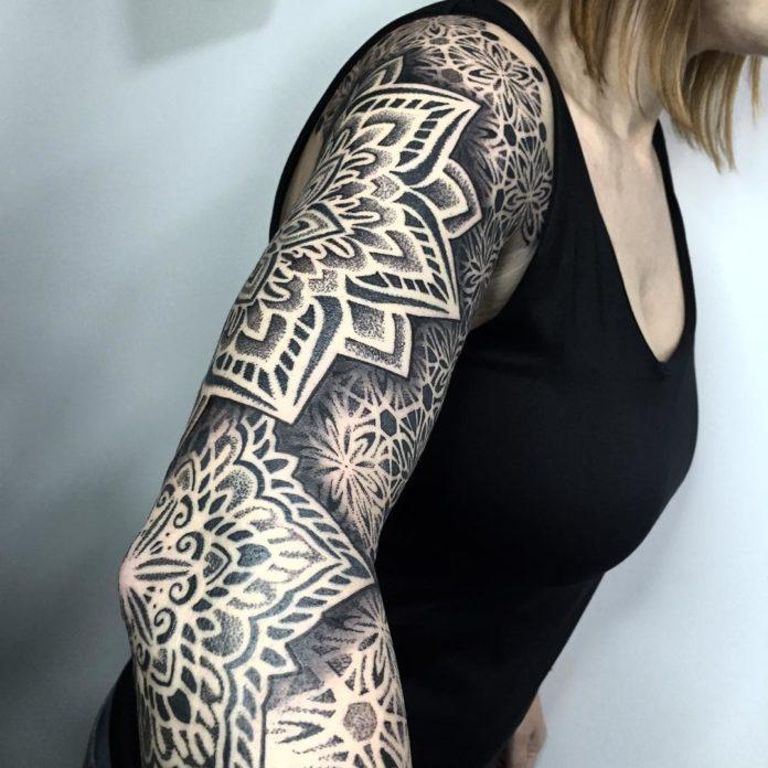 88 11 - Top 100 Tatouages Bras Complet pour Femme