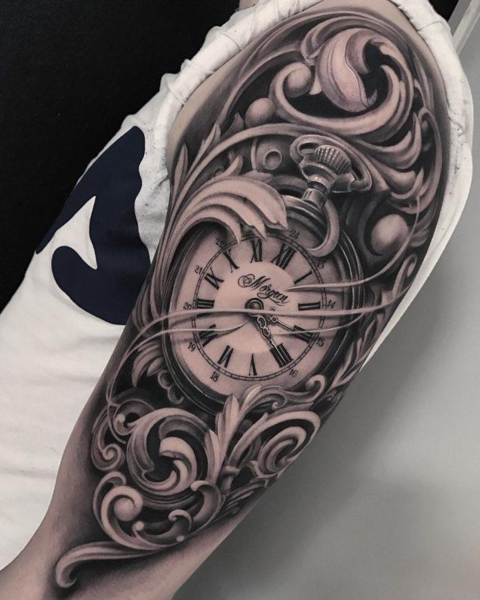 89 - 100 Tatouages d'Horloge pour Homme