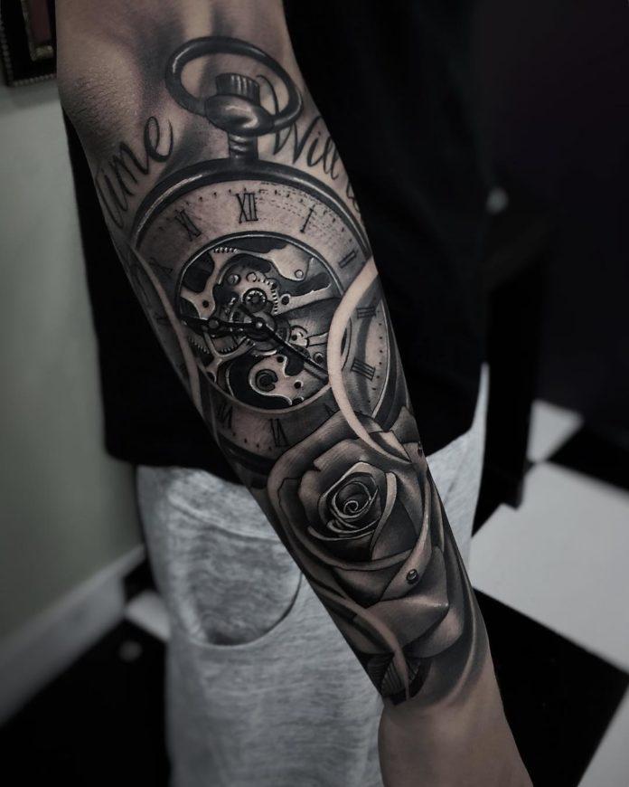91 - 100 Tatouages d'Horloge pour Homme