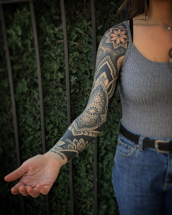 95 12 - Top 100 Tatouages Bras Complet pour Femme