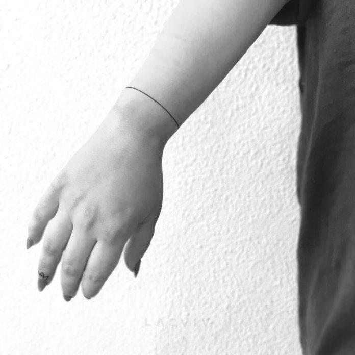 1 7 - 100 idées de Tatouages Bracelet pour Femme