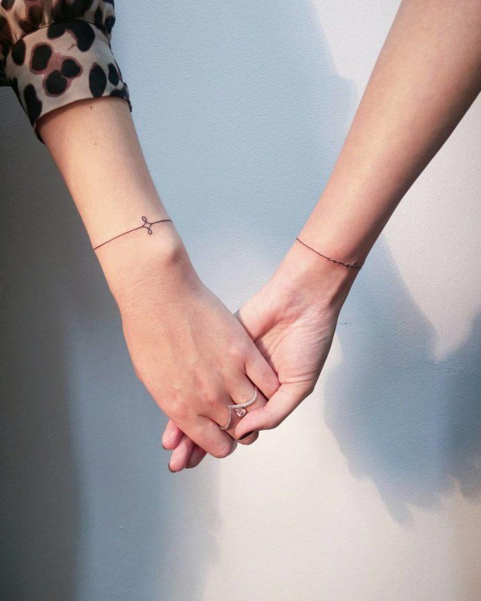 11 new 2 - 100 idées de Tatouages Bracelet pour Femme