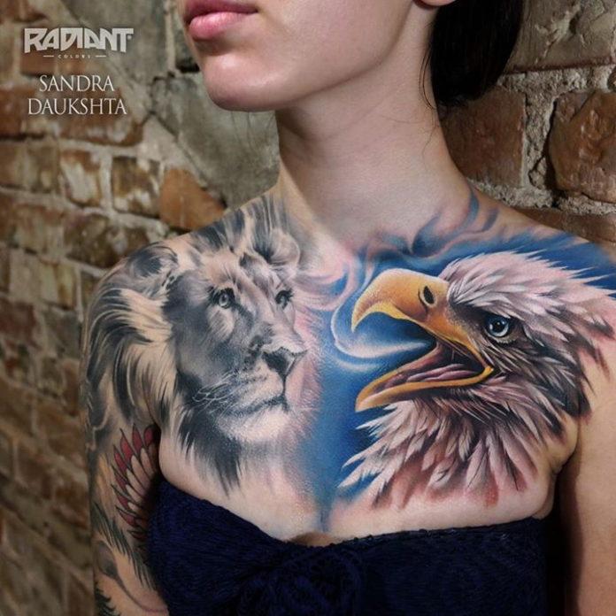Tatouage de tête de lion et tête d'aigle