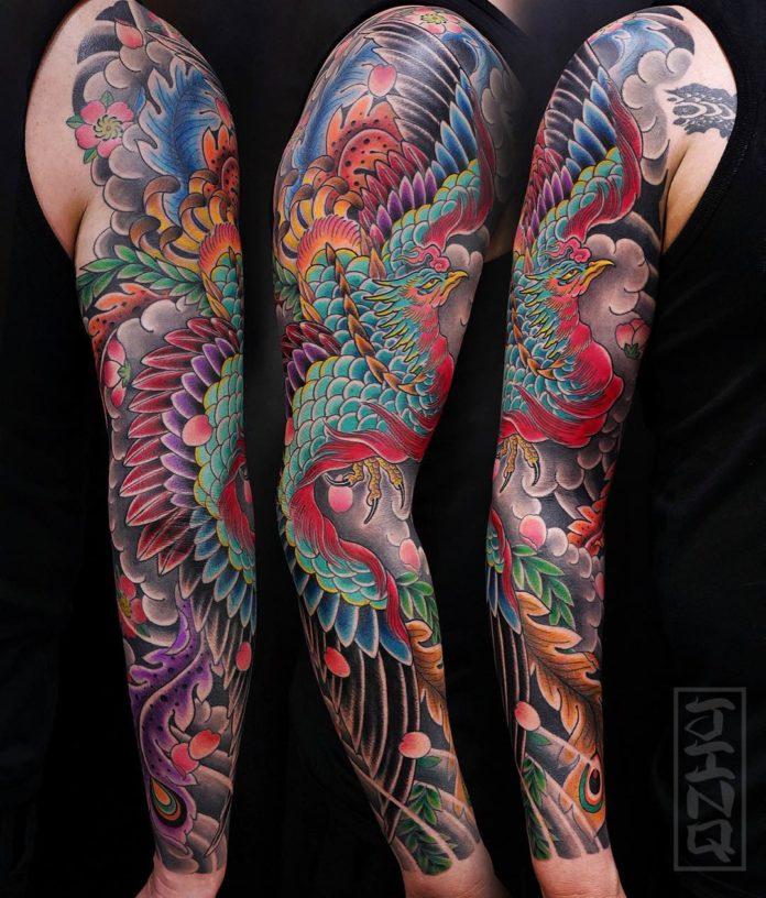 Tatouage de style japonais d'un phœnix