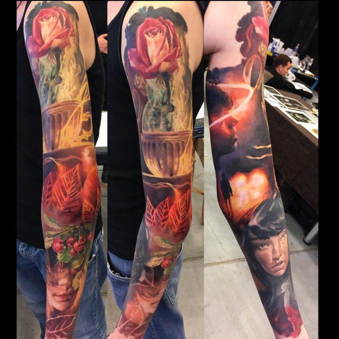 Tatouage Rose rouge dans une tasse + Visages de femmes