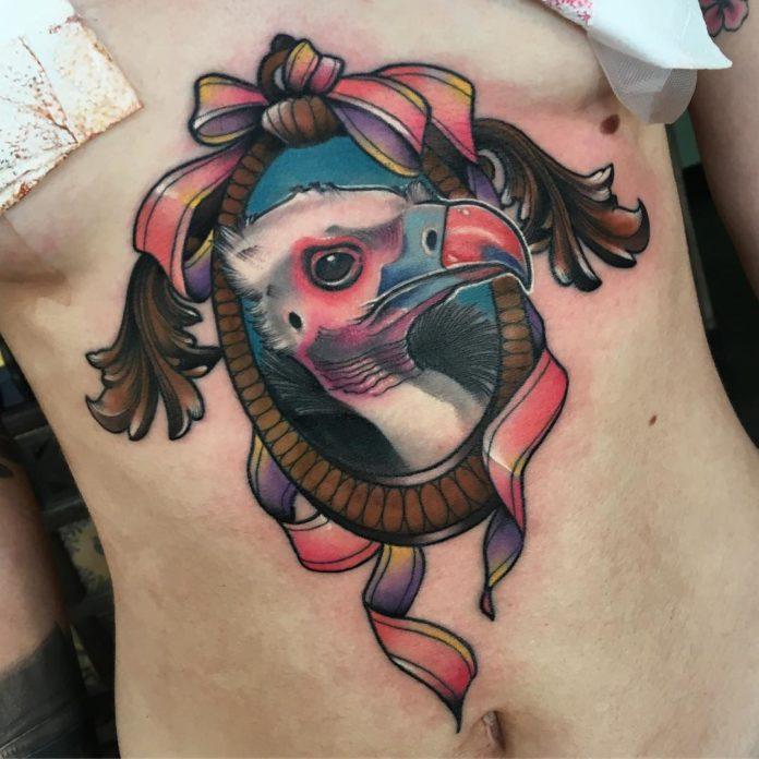 Tatouage de tête de vautour