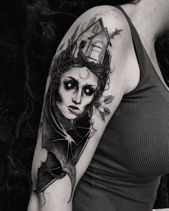 Tatouage de visage de femme chauve-souris + Maisonnette