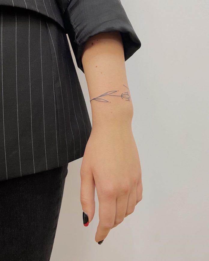 18 7 - 100 idées de Tatouages Bracelet pour Femme