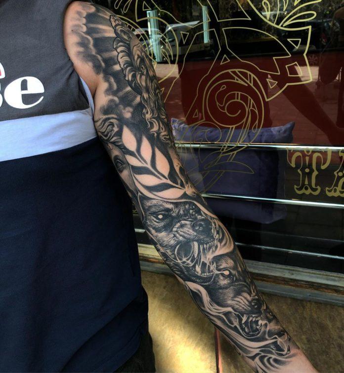 Composition de tatouage têtes de loups rugissant + Visages d'hommes