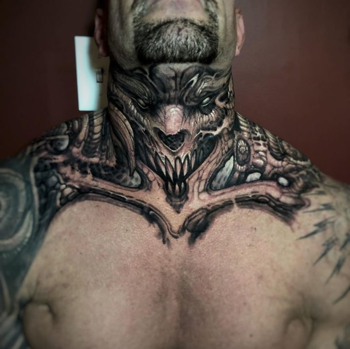 Tatouage de visage de monstre